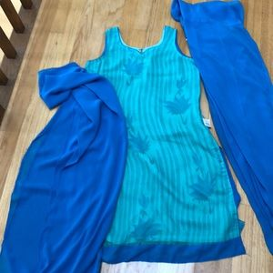 Dresses & Skirts - NWT salwaar suit